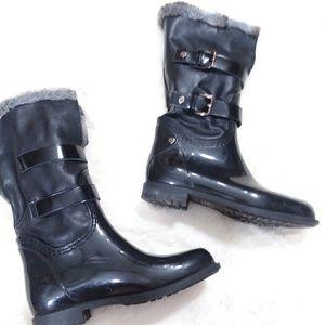 Stuart Weitzman Snowflake boot with faux fur 6.5